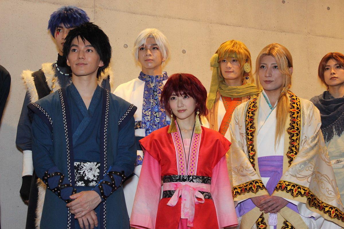 生駒里奈・矢部昌暉、舞台『暁のヨナ』公開ゲネプロで華麗な舞&殺陣を披露!の画像001